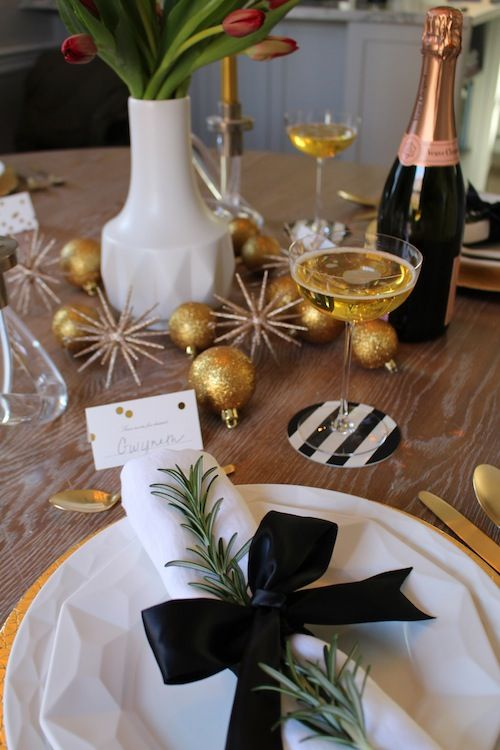 Black And Gold Christmas Decoration Ideas