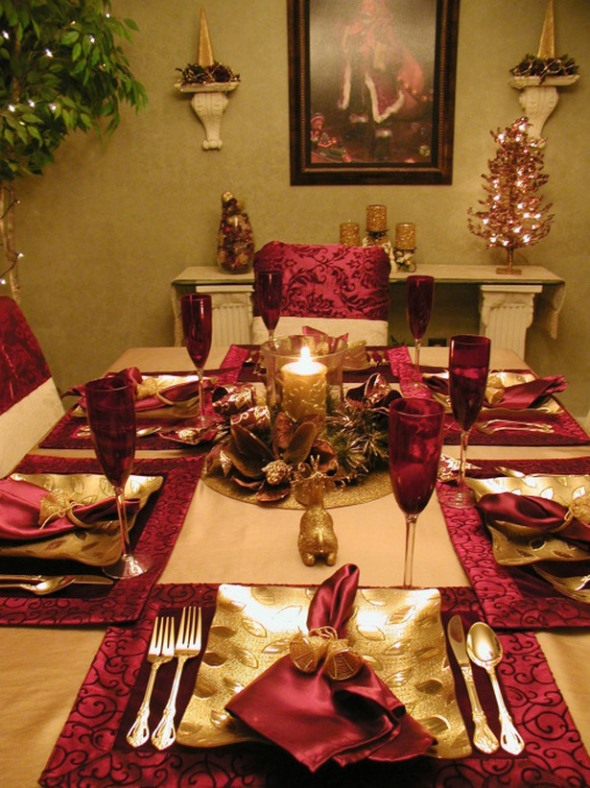 source - Red And Gold Christmas Decoration Ideas