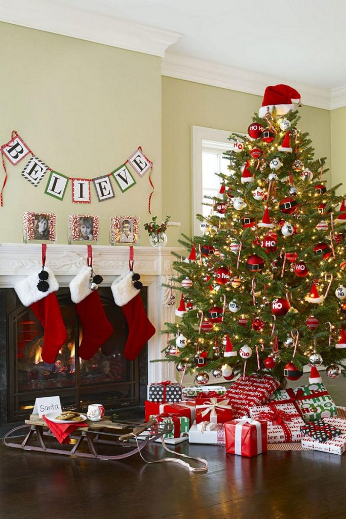 Top red christmas decorations christmas celebration for Red christmas decoration ideas