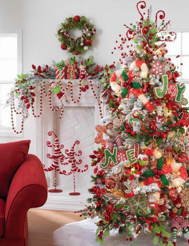 candy cane themed room decoration source - Candy Themed Christmas Decorations