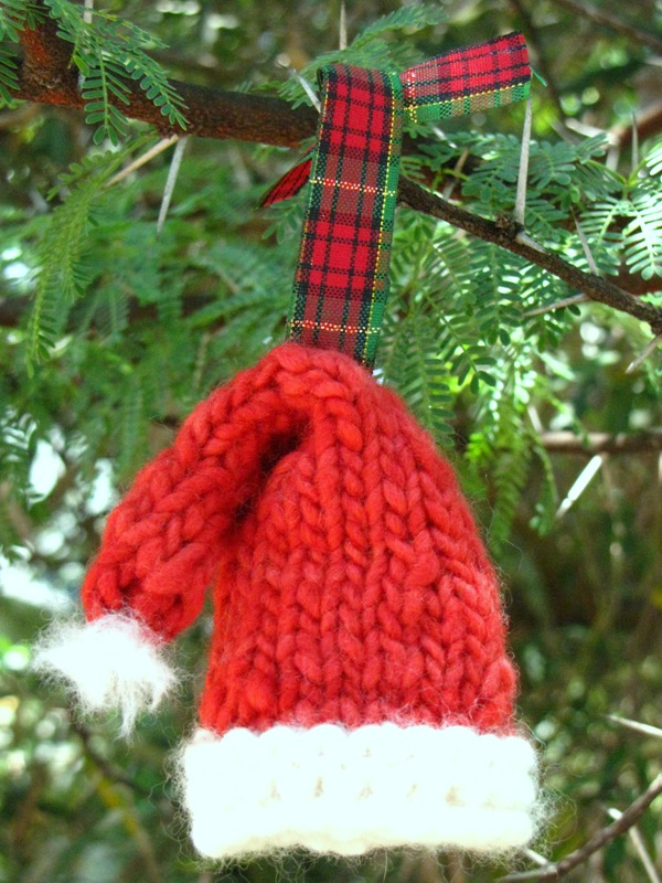 Knitted Christmas Tree Hat Pattern : Top 40 Cozy Knitted Christmas Decorations - Christmas Celebrations