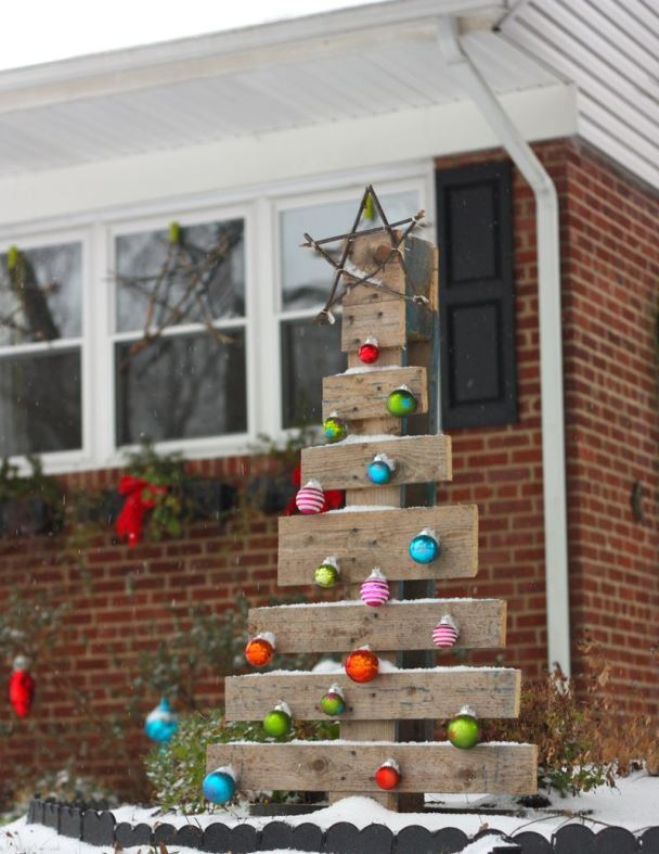 outdoor wooden christmas tree source - Wooden Outdoor Christmas Decorations