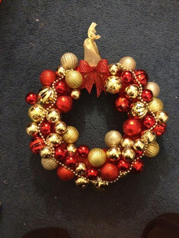 red and gold ornament wreath source - Red And Gold Christmas Decorations