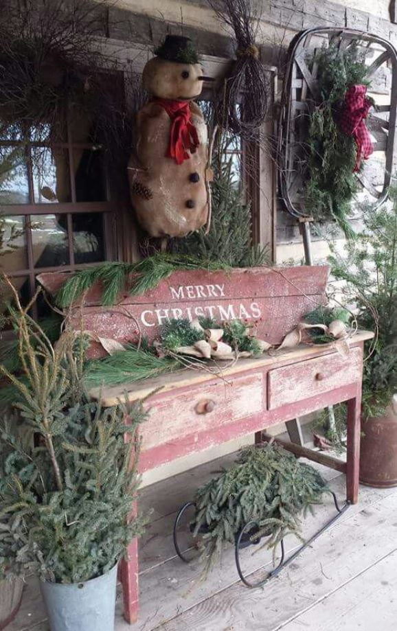 source - Rustic Outdoor Christmas Decorations