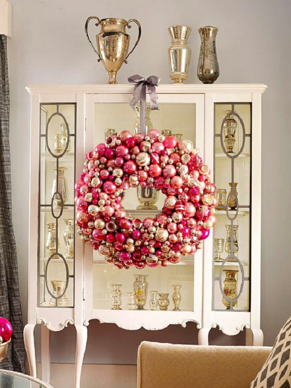 source - Pink And Gold Christmas Decorations