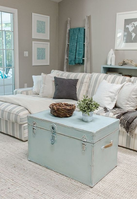 1. Shabby Chic Living Room Decor: