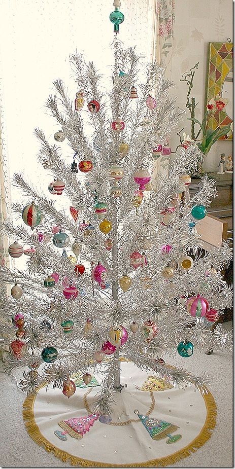 decorated christmas trees source - Vintage Tinsel Christmas Tree