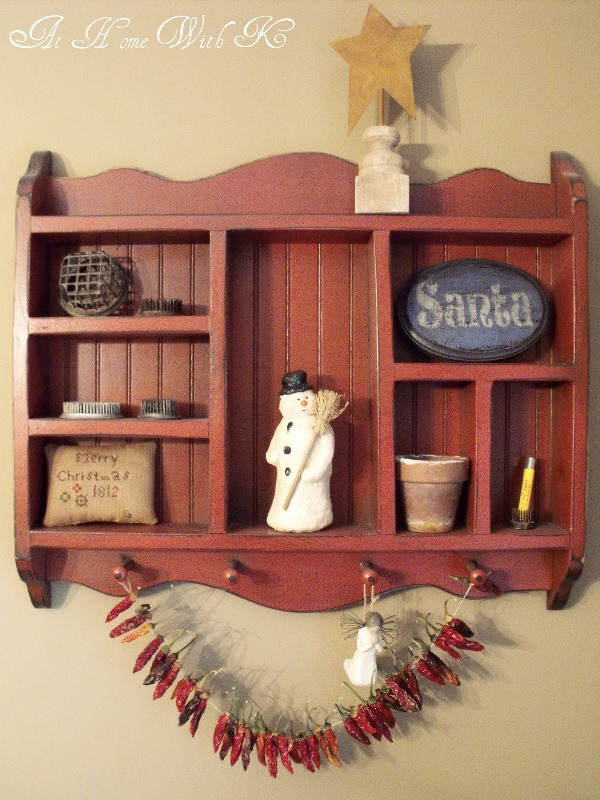 shabby chic shelf decoration source - Christmas Shelf Decorations