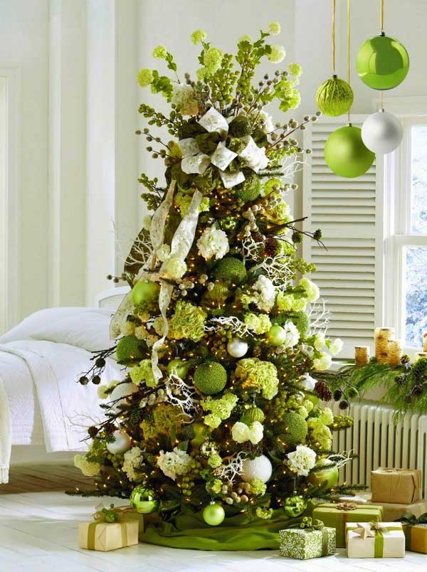 green christmas tree decorating ideas