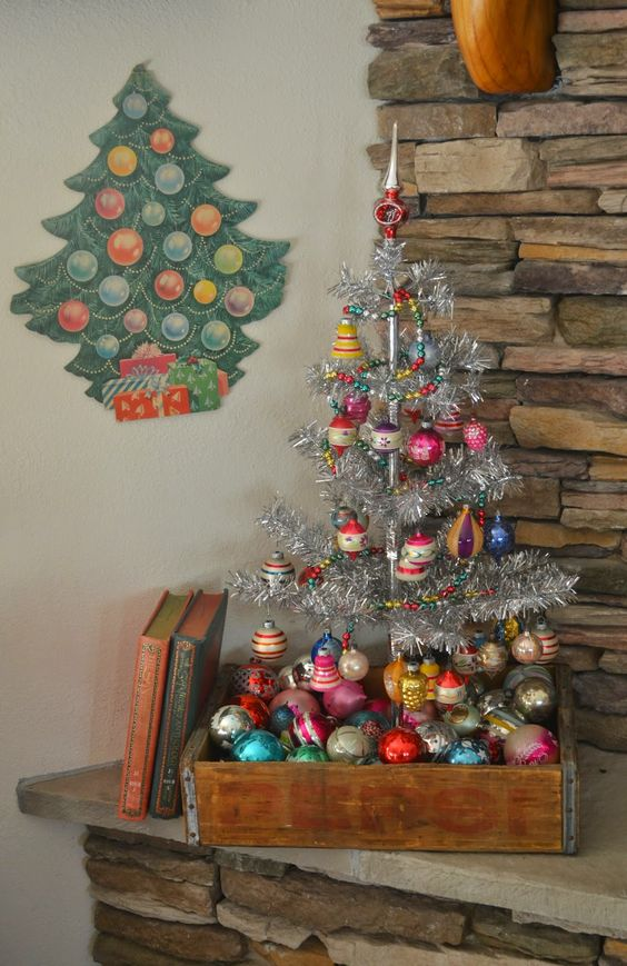 23. wooden tray christmas tree