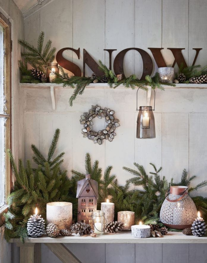 christmas shabby chic arrangements source - Chic Christmas Decorations