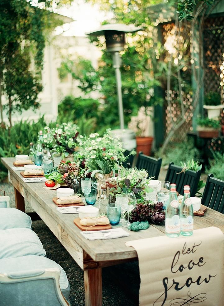 Most Beautiful Outdoor Christmas Table Setting Ideas ...