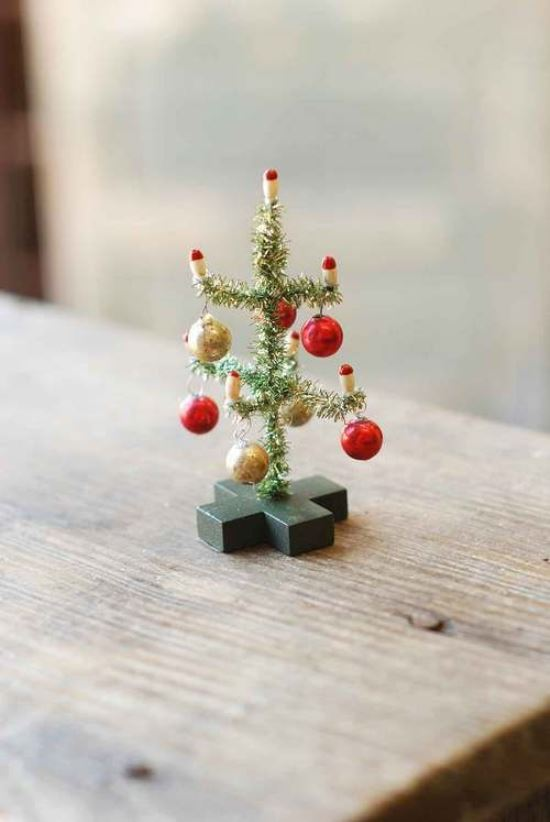 36. Cute Mini Christmas Decoration