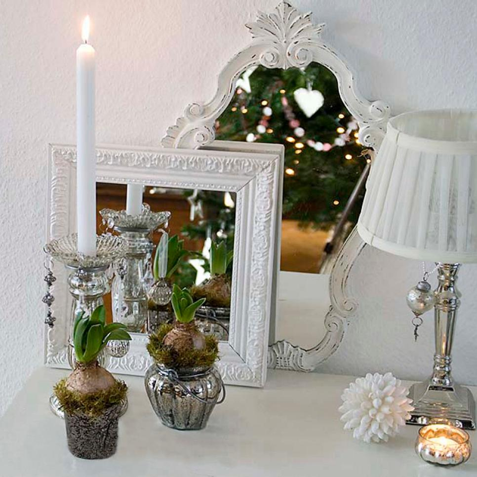 beach christmas decorating ideas shimmery reflections source - Beach Christmas Decorating Ideas
