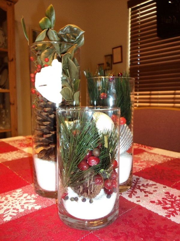Gorgeous Christmas Wedding Centerpiece: Source