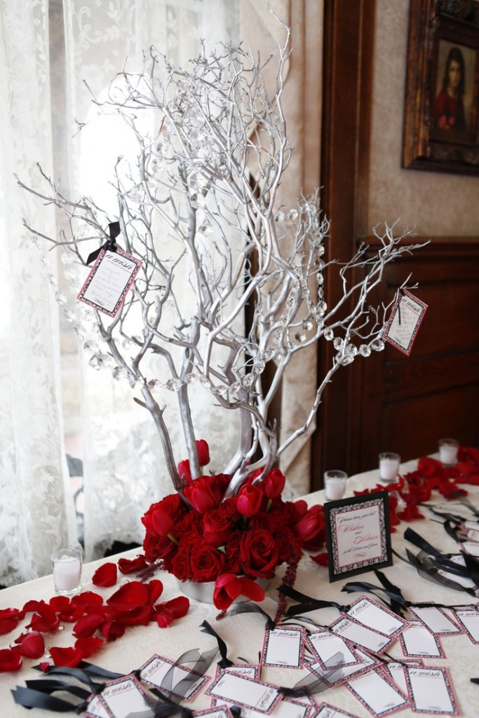 Top 40 christmas wedding centerpiece ideas christmas for Winter themed wedding centerpieces