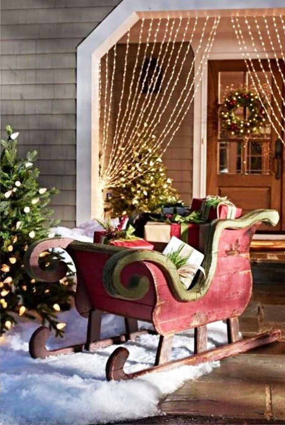 This tried and tested idea never seems to get old. Just put a large sized sled in the lawn filled with gifts at night. Children will be surprised to see a ...