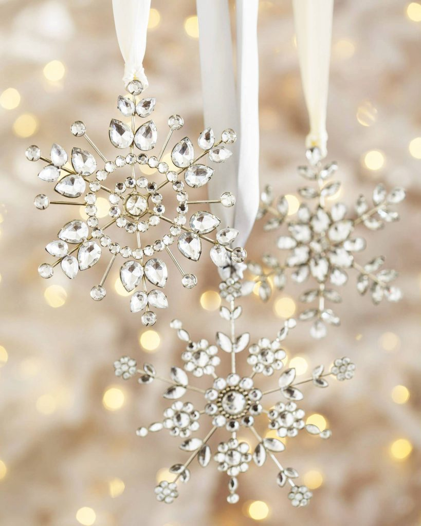 Christmas snowflake ornaments - Create An Enchanting Christmas Tree By Decorating It With These Jeweled Snowflake Ornaments You Can Either Use Them On Their Own Or Pair Them With