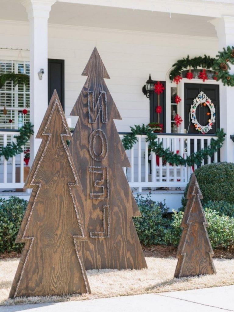 Put Christmas Lights On A Tree