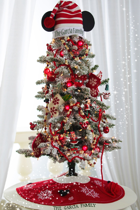 do not just stop at just the ornaments while planning for the tree your aim should be to transform the whole house into mickey mouse as you can see in - Mickey Mouse Christmas Decorations