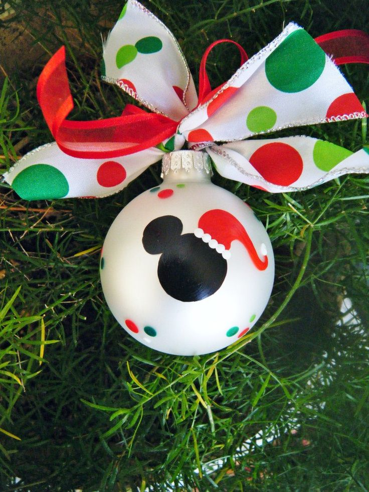 30 quirky disney christmas decoration ideas