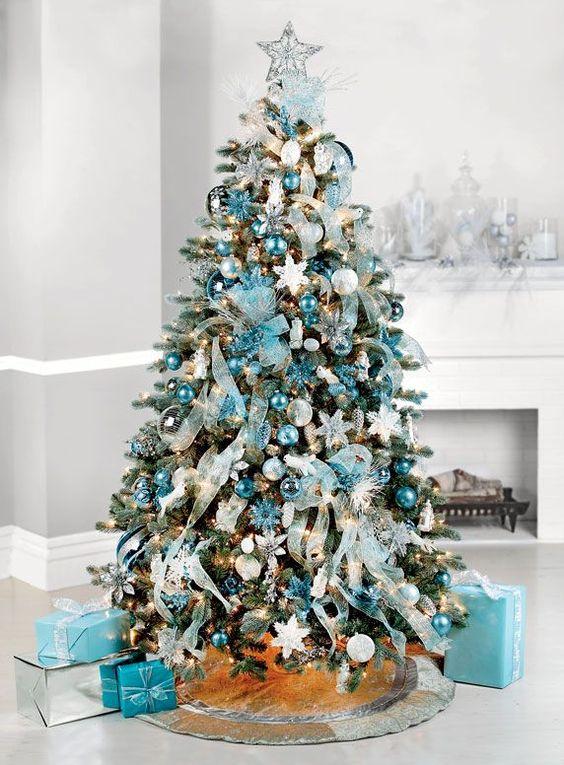 Fabulous 26 Beautiful Teal Christmas Decoration Ideas - Christmas  UB18