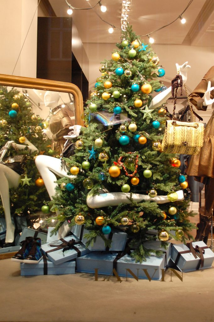 27 Unique Christmas Decoration Ideas For Stores Christmas