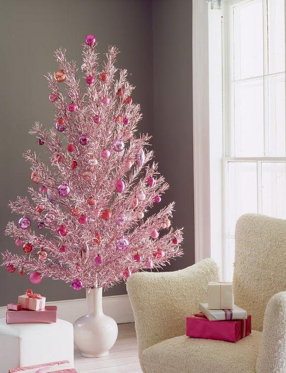 30 gorgeous aluminum christmas tree decoration ideas christmas celebration all about christmas. Black Bedroom Furniture Sets. Home Design Ideas
