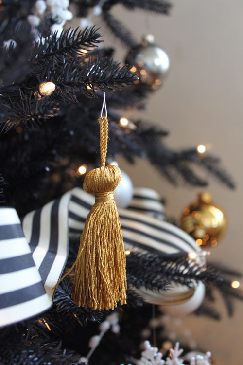 black christmas tree decoration ideas - Black And Gold Christmas Decorations