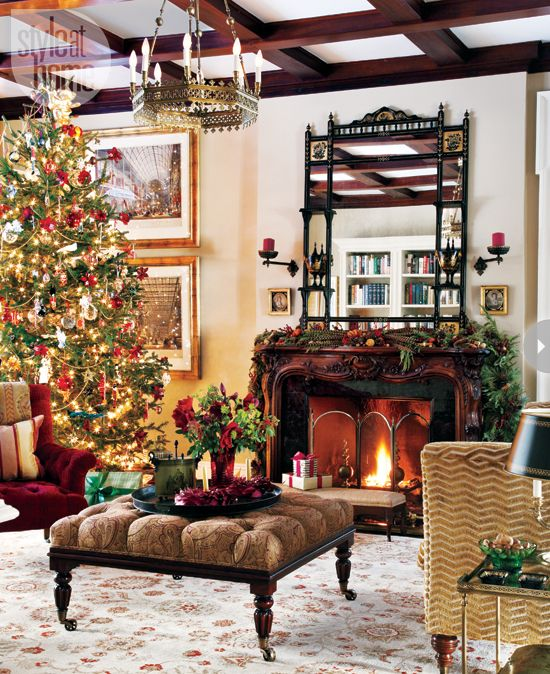 Ordinary Christmas Decoration Ideas Uk Part - 5: A Regal English Christmas Decoration: