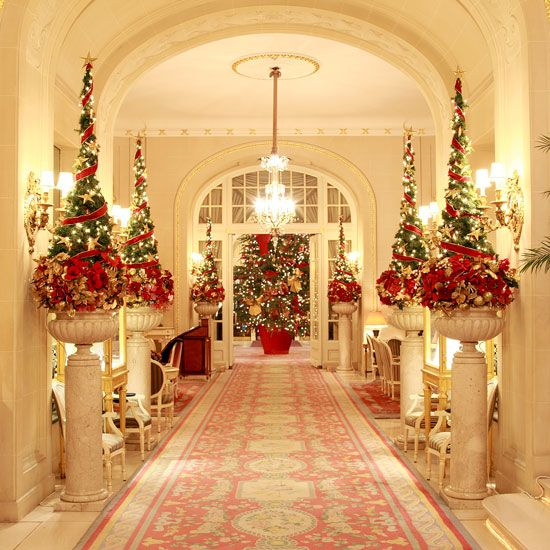 if youre blessed with a large mansion like the one featured here you can decorate it in a lavish way as seen in the picture above - Mansion Christmas Decorations