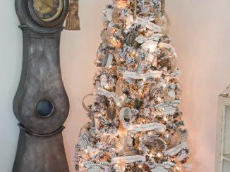Flocked Christmas Tree Decoration Ideas