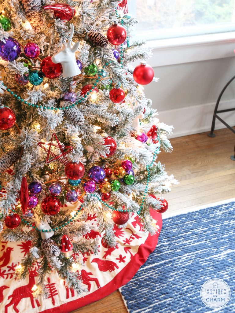 Www Christmas Ideas Decorations For Living Room: 30 Dreamy Flocked Christmas Tree Decoration Ideas