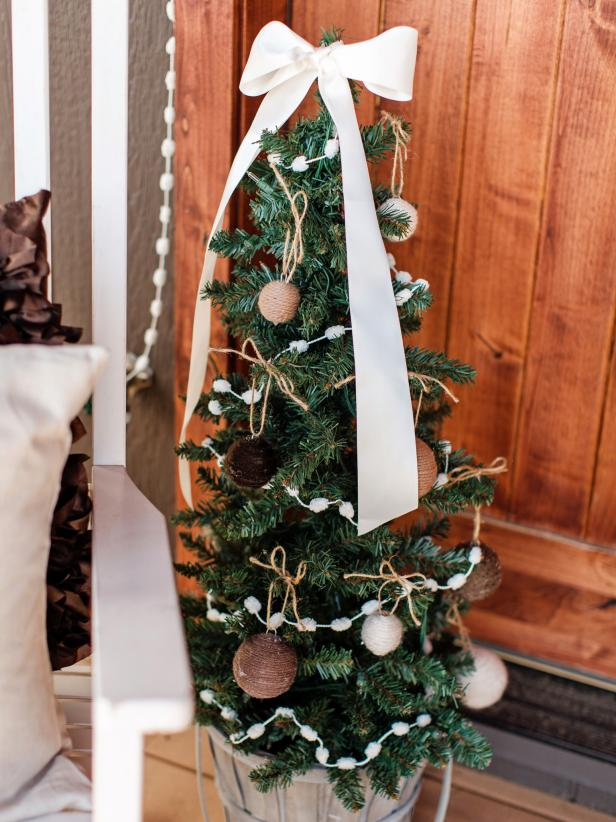 Mini Christmas Trees Decoration Ideas