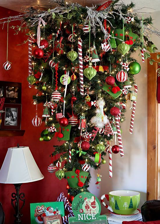 30 beautiful upside down christmas tree ideas christmas - Sapin de noel traditionnel ...