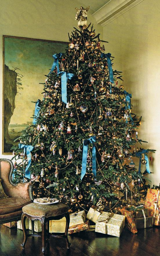 Victorian Christmas Tree Decoration Ideas 29