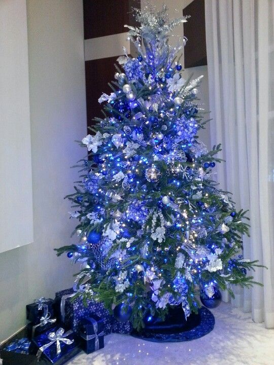 a vintage blue christmas tree - White Christmas Tree With Blue And Silver Decorations