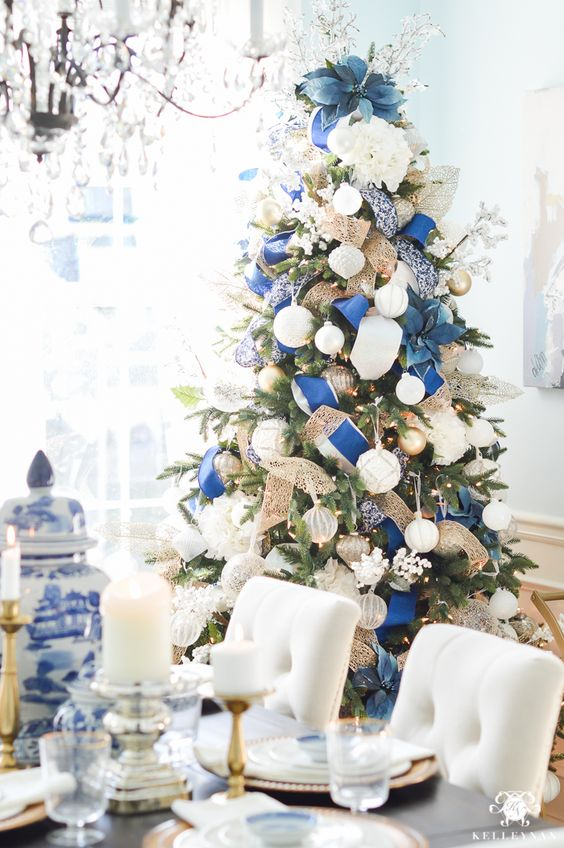blue christmas tree decoration ideas - Blue And White Christmas Tree