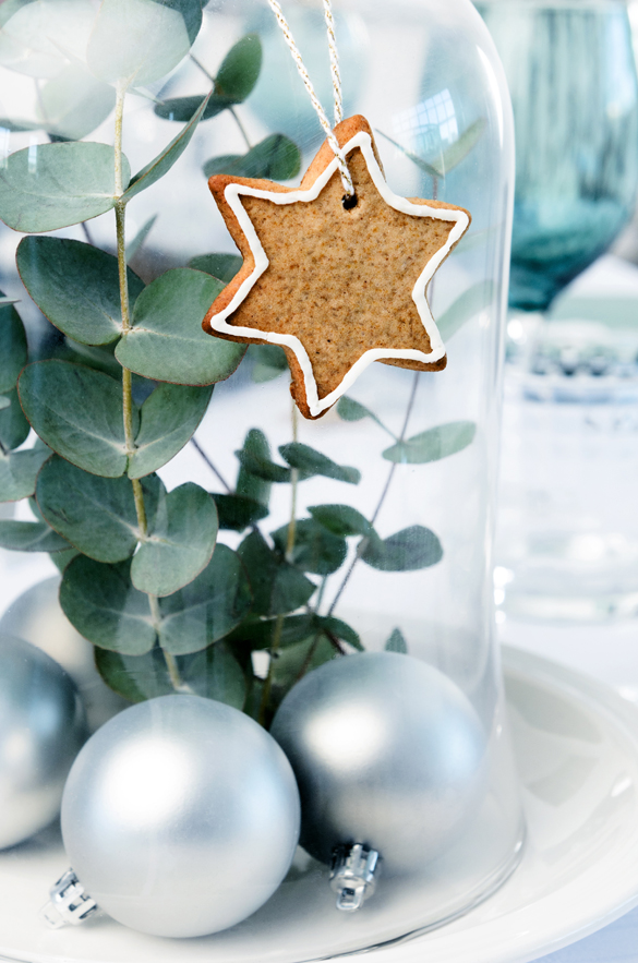 Inexpensive and cheap christmas centerpiece ideas