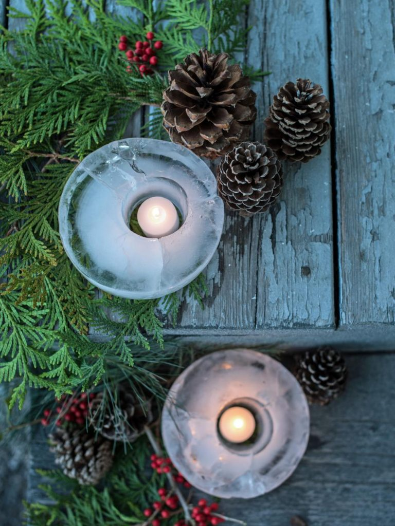 Fortunately, mother nature can also help you create a Christmas decoration for your home or yard. Fill the plastic containers with water and freeze it to ...