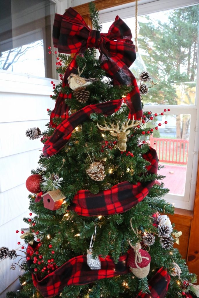Christmas Decorating Ideas Using Ribbon : Christmas tree decoration ideas with ribbons