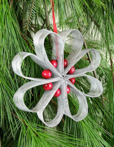 christmas tree decoration ideas with ribbons - Christmas Ribbon Decorations