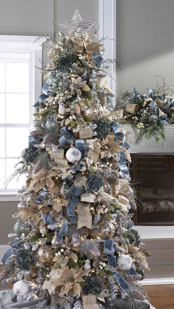 Christmas tree decorations with ribbons christmas for Blue gold and white christmas tree