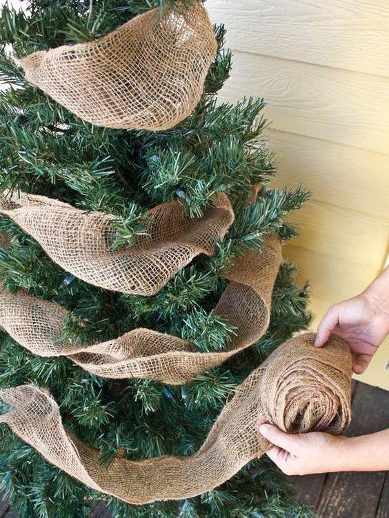 30 Beautiful Christmas Tree Garland Decoration Ideas  Christmas