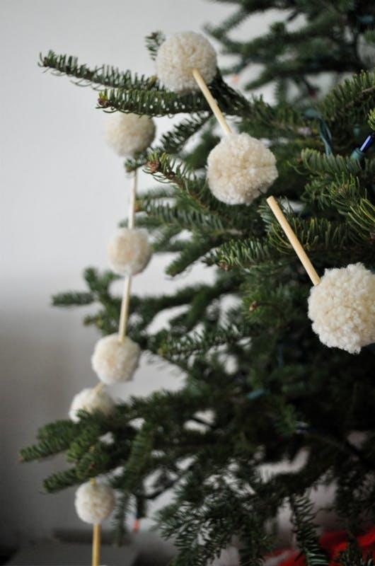 Christmas Tree Garland Decoration Ideas