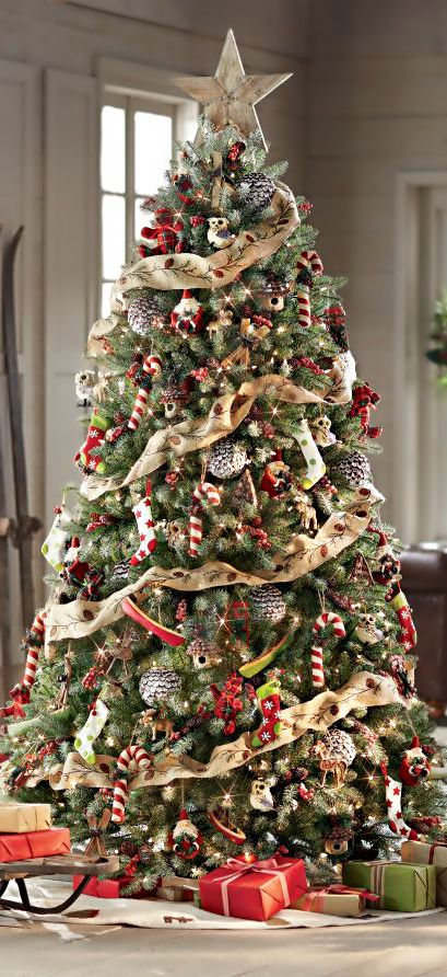 Christmas Tree Garland.30 Beautiful Christmas Tree Garland Decoration Ideas