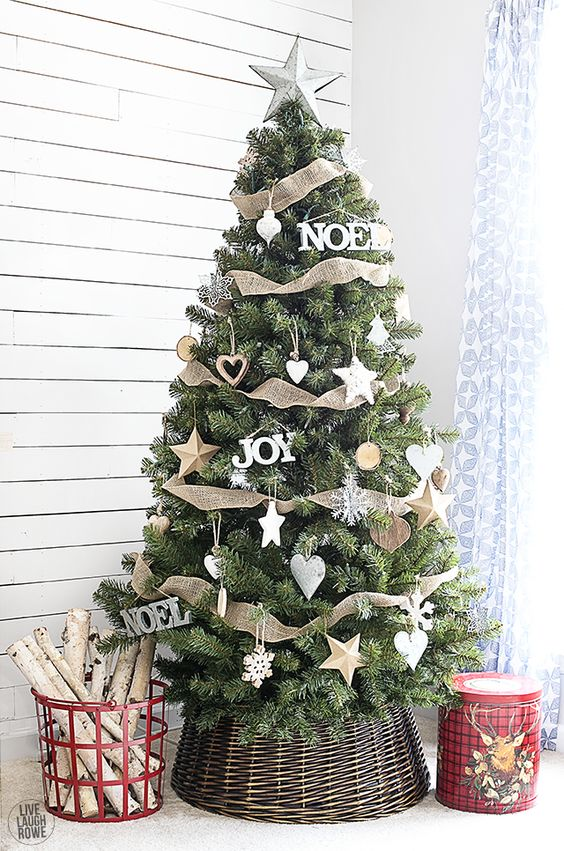 30 Beautiful Christmas Tree Garland Decoration Ideas Christmas