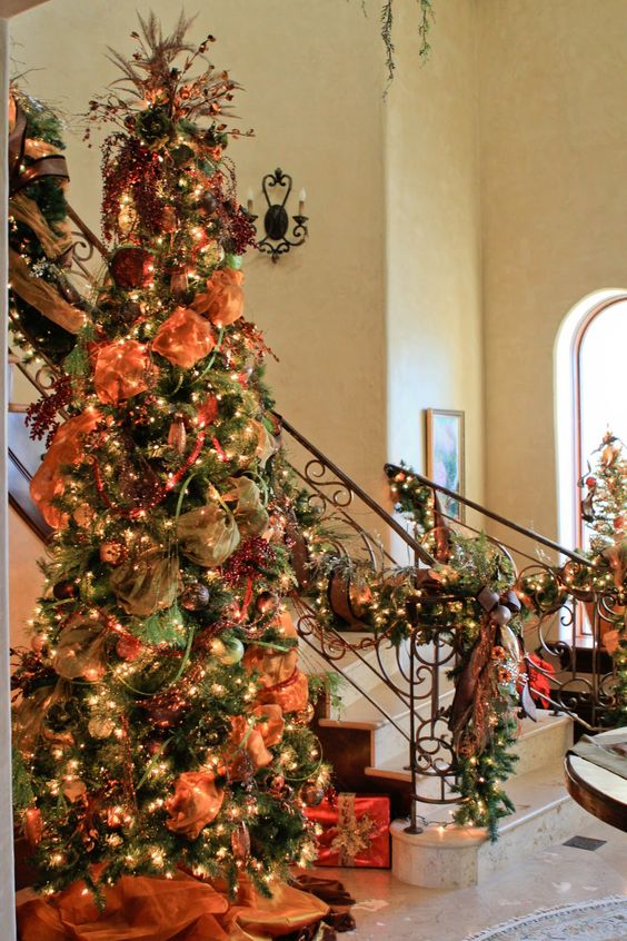 Christmas Tree Garland Decoration Ideas