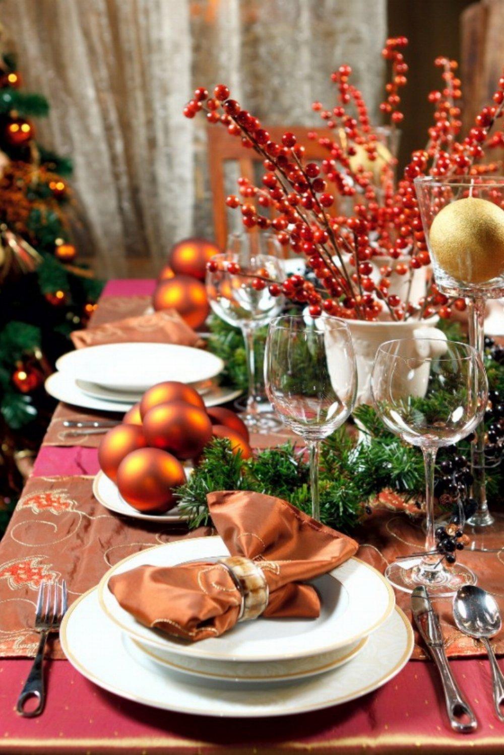 Christmas-table-settings-3