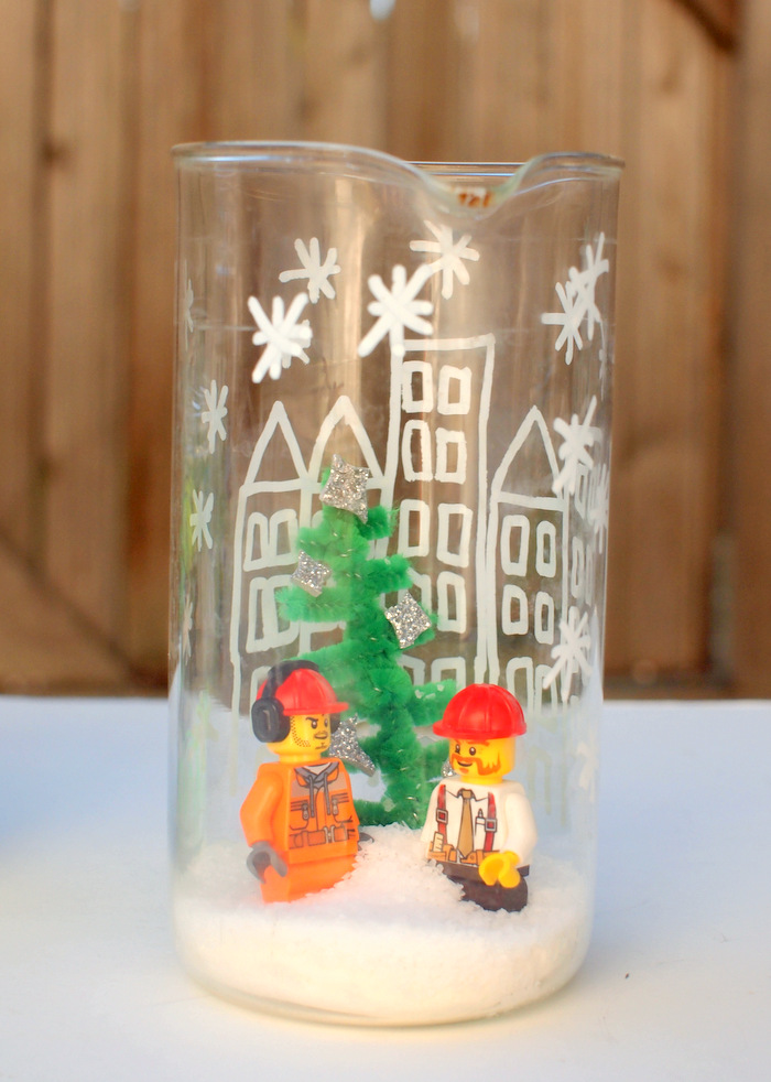 25 Magical Diy Christmas Snow Globes Christmas Celebration All